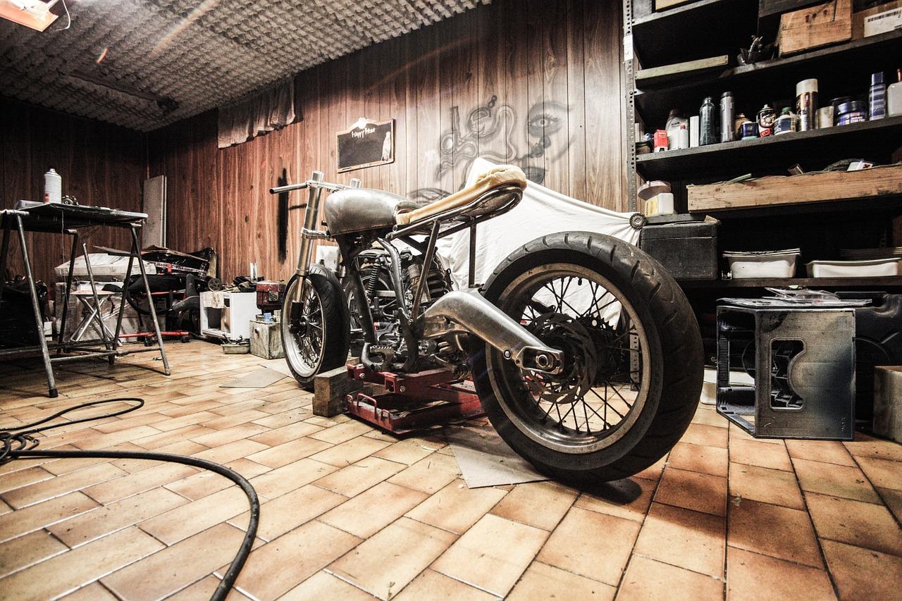 Motorradhebebühne Bild