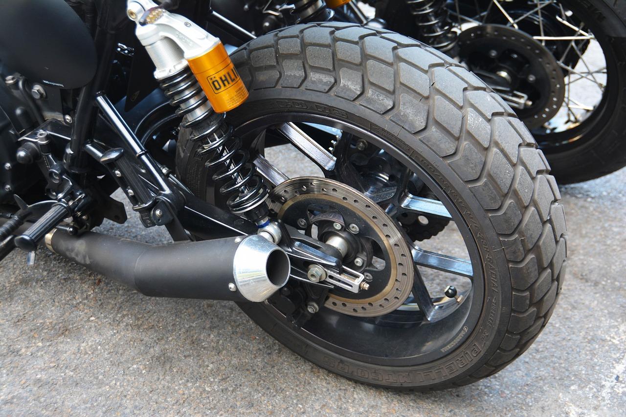 motorradreifen test bild